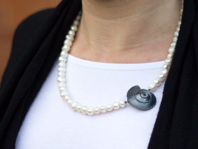 Pearl necklace Spiral Shell
