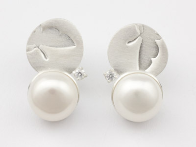 Silver stud earrings Butterfly with Pearl